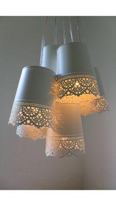 Pretty pendant light made from Ikea tins...... réalisée avec des cache pots ikéa
