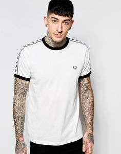 Cool Fred Perry T-Shirt with Taped Sleeves - Snow white Fred Perry Plain til Herrer til enhver anledning