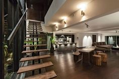 Escalier droit en bois à limon central