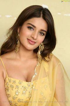 Indian Actress Hot Pics, Bollywood Actress Hot Photos, Indian Bollywood Actress, Beautiful Bollywood Actress, Beautiful Girl Indian, Most Beautiful Indian Actress, Beautiful Women, Beauty Full Girl, Cute Beauty
