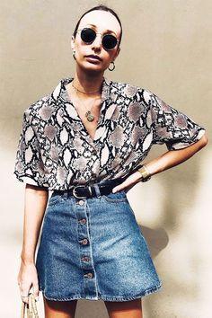 reprodução pinterest - camisa e saia jeans - snake print - meia-estação - street style