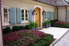 Love the shutters! >> me too