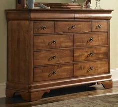 Chateau Royale Solid Wood Bureau | Kincaid | Home Gallery Stores