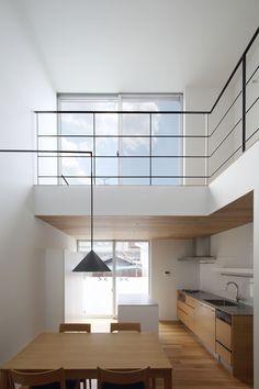 吹き抜け|ネイエ設計 Minimalist House Design, Minimalist Home, Interior Styling, Interior Design, Micro House, Architect House, Takachiho, New Homes, Loft