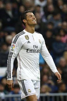 GRA307. MADRID, 14/02 / 2015.- Portugalski napastnik Cristiano Ronaldo Real Madryt żałuję stracona szansa przeciwko Deportivo La Coruña podczas meczu dwudziestego trzeciego dnia Li