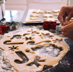 i'm so excited for christams bc im gonna bake cookies and i hope it snows and ajajjawiks ❄️