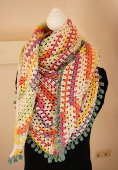 Street Chique Shawl Crochet Triangle, Crochet Borders, Crochet Granny, Crochet Stitches, Knit Crochet, Crochet Shawls And Wraps, Knitted Shawls, Crochet Scarves, Crochet Clothes