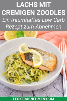 Low carb salmon with zoodles – low calorie and healthy recipe - Lachs Rezepte Ketogenic Diet Starting, Ketogenic Diet For Beginners, Low Carb Recipes, Diet Recipes, Healthy Recipes, Low Carb Diet Plan, Diet Meal Plans, No Carb Diets, Eating Habits