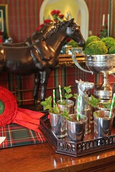 Horses and Mint Juleps - a traditional pairing! (Eye For Design: Equestrian Chic Interiors)