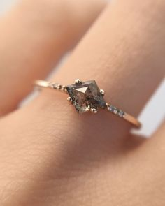 The Salt + Pepper Kite Ring – Après Jewelry Cute Rings, Pretty Rings, Unique Rings, Beautiful Rings, Simple Rings, Unique Vintage Rings, Non Traditional Engagement Rings Vintage, Simple Silver Rings, Non Traditional Wedding Ring