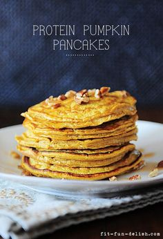 Protein Pumpkin Pancakes - made with oats & egg whites. Only 276 calories for the entire batch