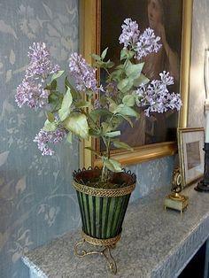 Vladimir Kanevsky porcelain lilacs at the home of Charlotte Moss via Quintessence