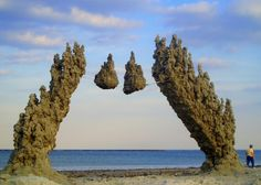 New and Otherworldly Forms of Sandcastles by Matthew Kaliner - My Modern Met