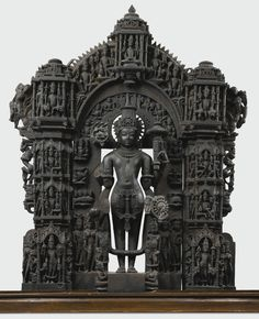 An Exceptional and Highly Important Black Stone Vaishnavite Stele Height: 38 in. Indian Temple Architecture, Ancient Architecture, Hindu Statues, Stone Statues, Angel Statues, Hindu Deities, Hinduism, Temple India, Asia