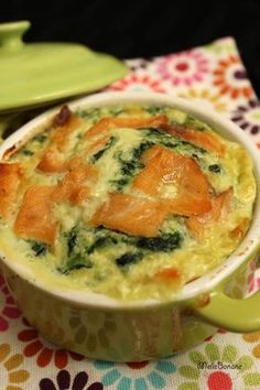 Weight Watchers Florentine Salmon Flan, I regularly draw recipes from Weight Watchers books without practicing this diet. This time it is from my extra simple cooking that this recipe comes. Weight Watchers Books, Plats Weight Watchers, Ww Recipes, Cooking Recipes, Healthy Recipes, Weight Warchers, Ww Desserts, Paella, Cooking Time
