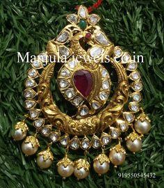 Pendant Jewelry, Gold Jewelry, Gold Necklaces, Diamond Jewellery, Chain Pendants, Indian Wedding Jewelry, Bridal Jewelry, Flower Earrings, Peacock Earrings