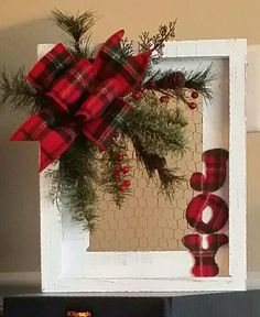 holiday wreaths Last Minute DIY Christmas Decorations on a Budget Picture Frame Wreaths Picture Frame Wreath, Christmas Picture Frames, Picture Frame Crafts, Christmas Wood, Christmas Design, Homemade Christmas, Christmas Projects, Christmas Gifts, Christmas Time