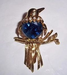 Great Kenneth Jay Lane Brooch! Beautiful Bird!