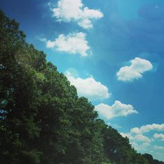 Hitting the roads of VA while listening to a little bit of @jakebugg to keep our spirits up! Next stop...Richmond to see The Johnson Brats! #vacation  #summer #beach #weekend #saturday #virginia #richmond #sky #clouds #gorgeousday #food #foodporn #foodgasm #foodstagram #foodpics #foodblogger #foodblog #recipe #faithhopeloveandlucksurvivedespiteawhiskeredaccomplice #vais4bloggers #vafoodie #yum
