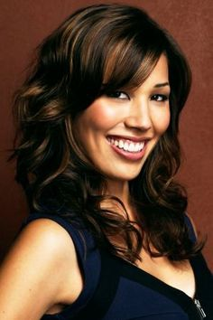 Michaela Conlin. Love the hair.