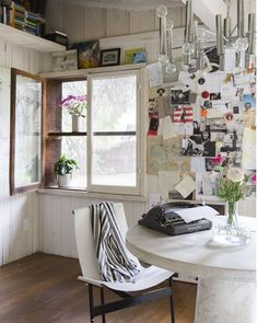 my scandinavian home: Leanne Ford's Dreamy Woodsy Cabin in Echo Park Country Living Magazine, Cottage Style Homes, Home Office Space, Office Spaces, Park Homes, California Style, Scandinavian Home, Wabi Sabi, Hgtv