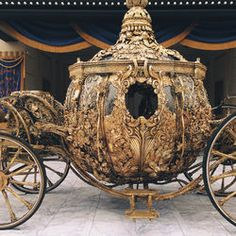 Sacs Louis Vuiton, Medieval, Cinderella Carriage, Horse Carriage, Horse Drawn, Classic Literature, Antique Cars, Fairy Tales, Classic Cars