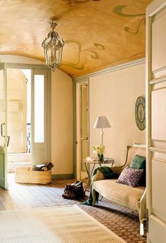 Gorgeous painted ceiling