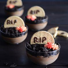 ¿Estás buscando un postre de chocolate para la noche de Halloween? ¿Quieres hacer un postre diferente para una cena de amigos? Hoy nuestra Hada Yaiza del blog ¡