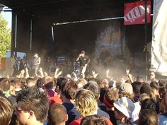 How to Survive Warped Tour in 8 Steps