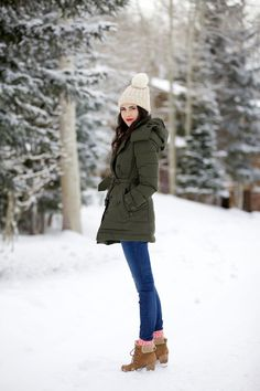 Awesome Winter Outfits To Update Your Work Wardrobe 25 Winter Mode Outfits, Cozy Winter Outfits, Cold Weather Outfits, Winter Fashion Outfits, Autumn Winter Fashion, Snow Fashion, Cozy Fashion, Ladies Fashion, Green Winter Coat