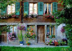 Pretty housefront.....