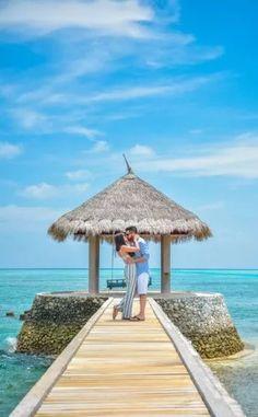 HoneymoonDiaries: This Couple Got A Honeymoon Shoot Done in Maldives And Its Amazing! Honeymoon Photography, Indian Wedding Couple Photography, Wedding Couple Poses Photography, Couple Photoshoot Poses, Wedding Photoshoot, Photoshoot Pics, Wedding Shoot, Couple Beach Pictures, Honeymoon Pictures