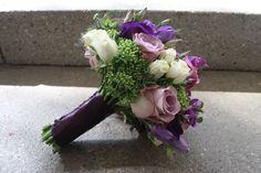 Brautstrauß in verschiedenen lila-Tönen mit weiß - Bridal bouquet in shades of lilac - Heiraten in Garmisch-Partenkirchen, Riessersee Hotel Resort, Bayern - Wedding in Bavaria