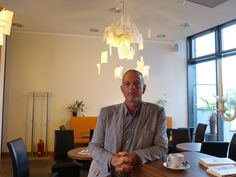 Gerbrand Bakker kurz vor der Lesung am 11.07.2012 in unserem Lese Café.