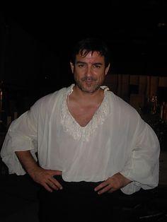 Miguel Ortiz en la serie Piratas, en el barco....