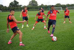 #Arsenal players training ahead of #Liverpool game #bpl #PremierLeague  Watch online: http://www.purevpn.com/blog/watch-premier-league-online/