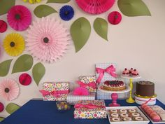 paper daisies wall installation