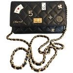 Wallet on Chain leather mini bag CHANEL