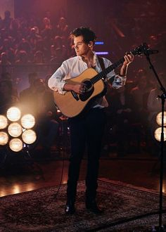 Harrys performance of Two Ghosts on The Late Late show is so classic, honestly its extremely relaxing. gahhh i just love harry