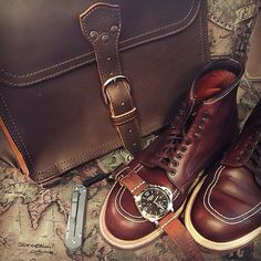"""""""It's getting cold out there, even in Texas. Nice carry from Saddleback Leather, Brown Leather Ankle Boots, Shoes Men, Carry On, Combat Boots, Fashion Shoes, Satchel, Texas, Classy"""