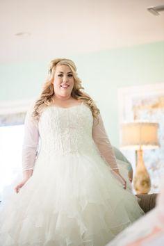 Real Wedding | Lake House Wedding in Arizona | Kalia Cales Photography | The Pretty Pear Bride - Plus Size Bridal Magazine