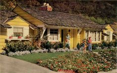 Mid-century ranch style home. I usually don't care for ranch style but this is more cottage ranch Mid Century Ranch, Mid Century House, California Ranch, California Homes, Southern California, Ranch Style Homes, Ranch Homes, Storybook Homes, Fairytale Cottage