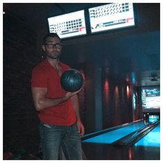 Tyler Hoechlin bowling with Ian Bohen (Peter) and JR Bourne (Chris).