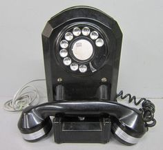 Art Deco 1930s Bake-lite Telephone