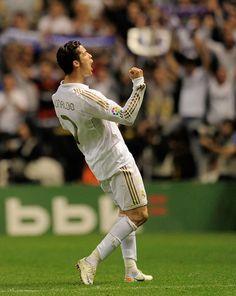 Cristino Ronaldo, Ronaldo Juventus, Cristiano Ronaldo Cr7, Ronaldo Free Kick, Cristiano Ronaldo Hd Wallpapers, Ramos Real Madrid, Ronaldo Photos, Cr7 Wallpapers, Ronaldo Real Madrid