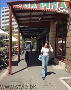 Recent Pictures of Mawra Hocane from Australia Tour (14)