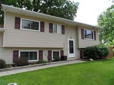 4 Bedrooms, 1 Full/1 Half Bathrooms, 1,659 Sq Ft., Price: $149,900, #: 214025825