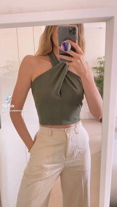 Fashion Sewing, Diy Fashion, Fashion Outfits, Dress Sewing Patterns, Clothing Patterns, Diy Clothes Design, Diy Mode, Clothing Hacks, Sewing Clothes