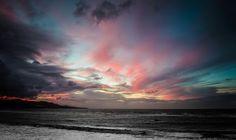 Las Canteras Sunset, Gran Canaria. Oben bunt. Unten Schwarz-Weiss.