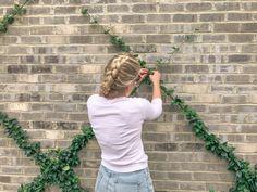 Step-by-Step Guide To Building A Garden Trellis - Style Souffle Wire Trellis, Garden Trellis, Herbs Garden, Fruit Garden, Outdoor Landscaping, Outdoor Gardens, Shade Landscaping, Wall Climbing Plants, Building A Trellis
